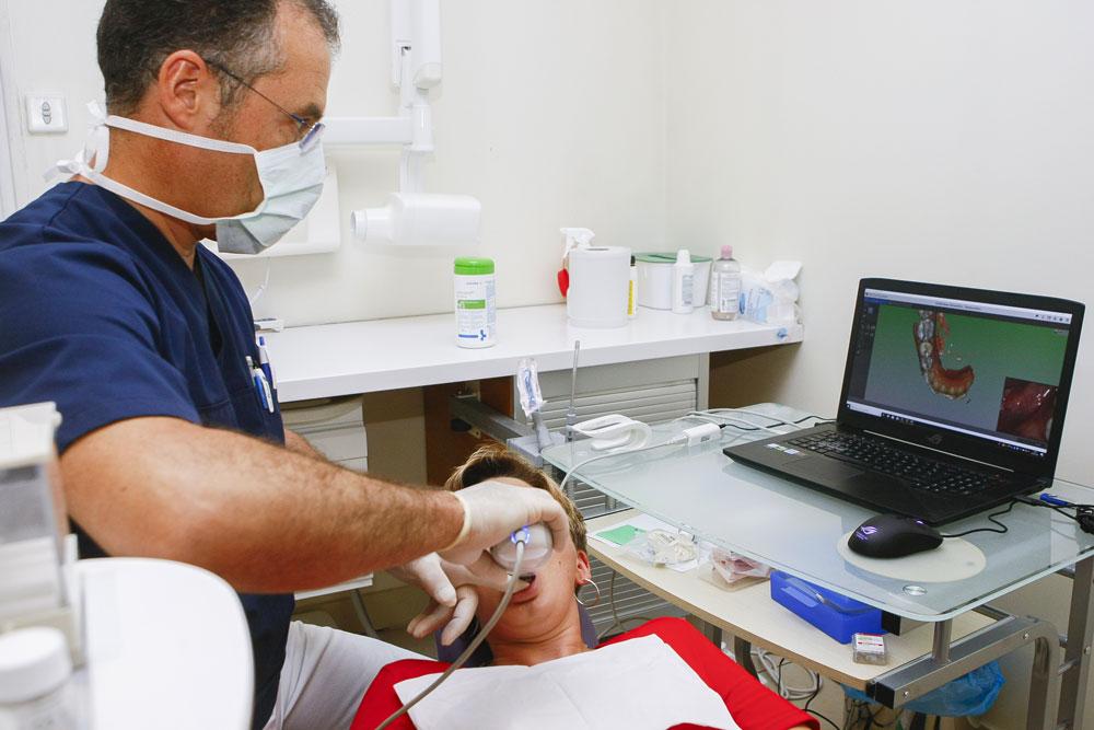 Prise d'empreinte numérique prothèse dentaire